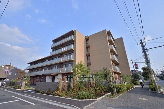 鈴木町の有料老人ホーム/介護スタッフ
